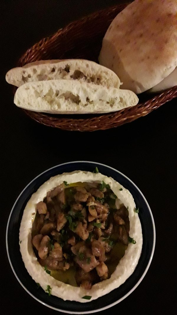 pitachleb-hummus-1