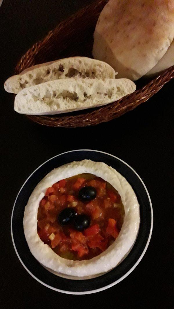 pitachleb-hummus-2